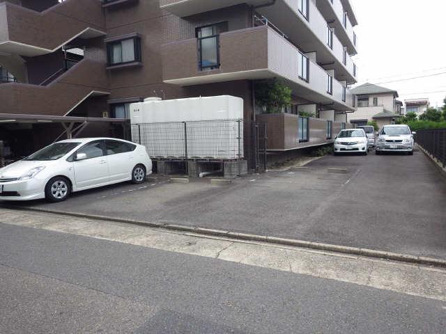 三鈴ライフ 3階 駐車場