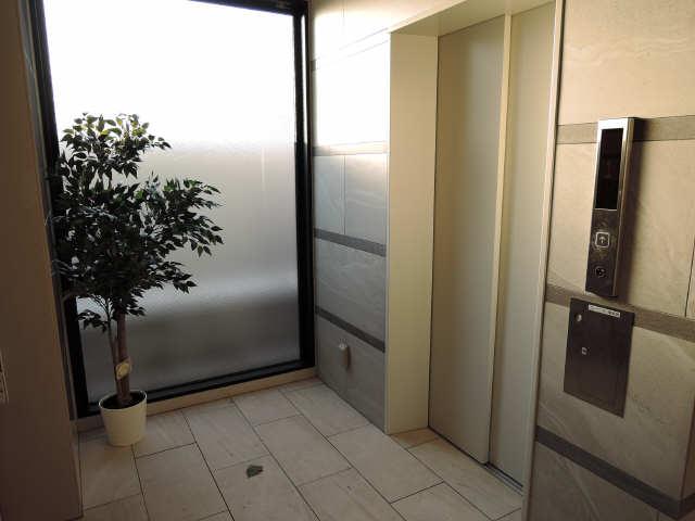 ドゥナーレ畑江通 3階 エレベーター