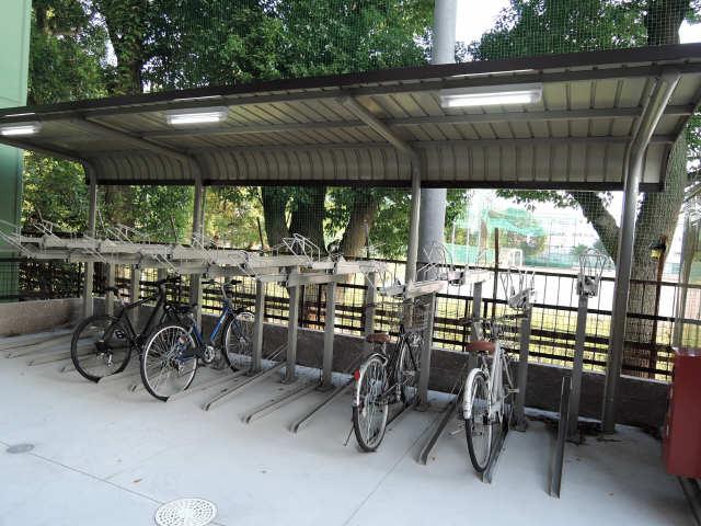 ドゥナーレ畑江通 3階 駐輪場