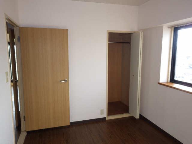 エステート岩塚 7階 室内