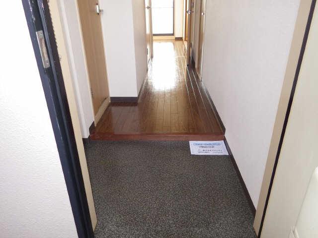 エステート岩塚 8階 玄関