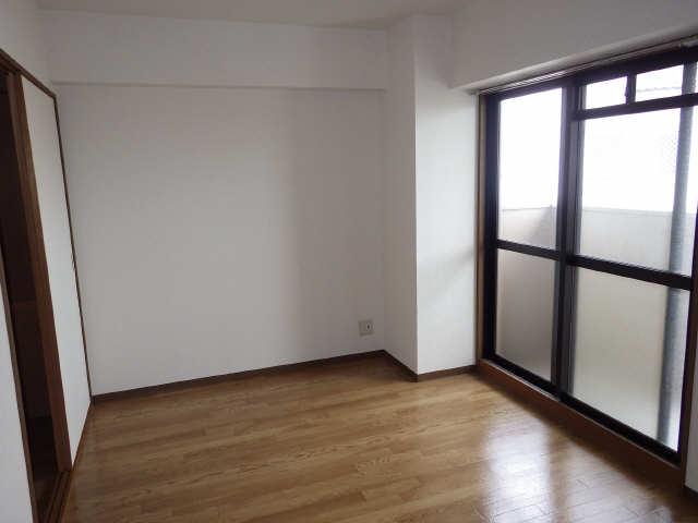 リヴィエル城屋敷 4階 洋室