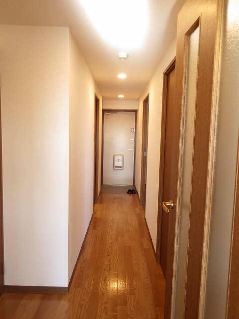 リヴィエル城屋敷 4階 廊下