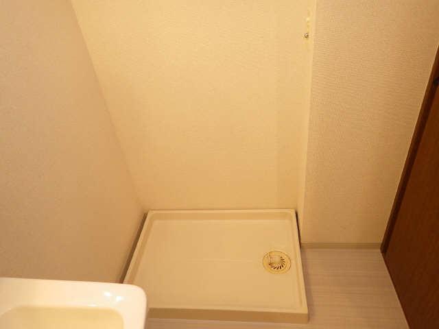 リヴィエル城屋敷 4階 洗濯機置場