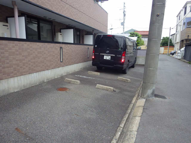 グランドシャトーK1 3階 駐車場
