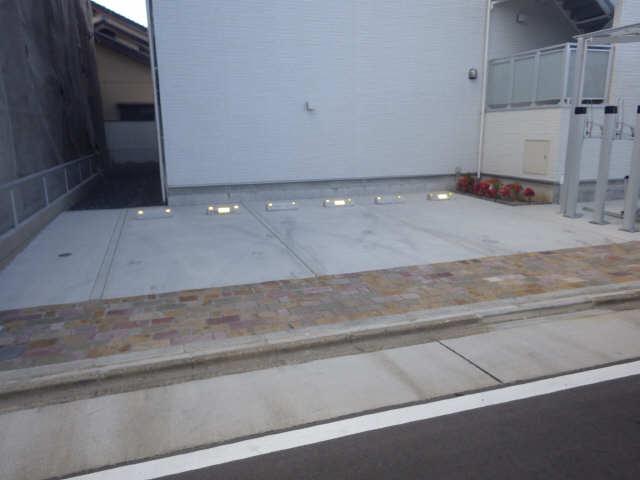 メイプル沖田 駐車場
