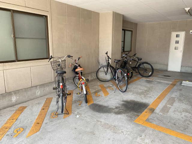 ロイヤル21 4階 駐輪場