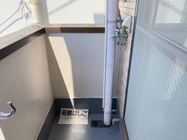 ロイヤル21 3階 洗濯機置場