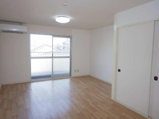 川島第二ビル 3階 室内