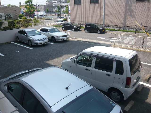 矢野マンション 1階 駐車場
