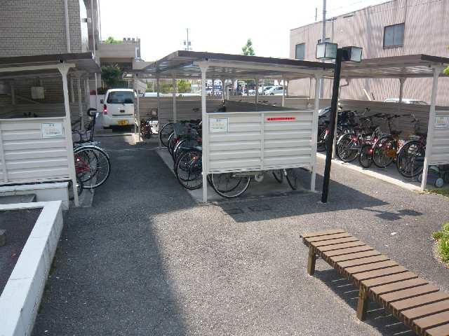 矢野マンション 1階 駐輪場
