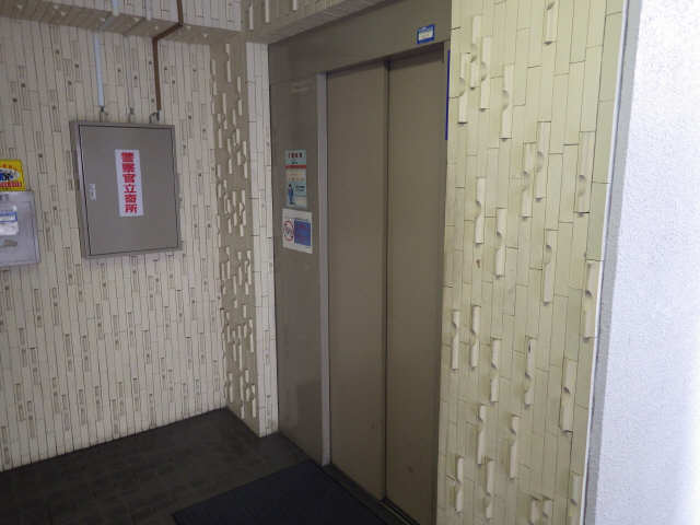 扶桑ハイツ 9階 エレベータ-