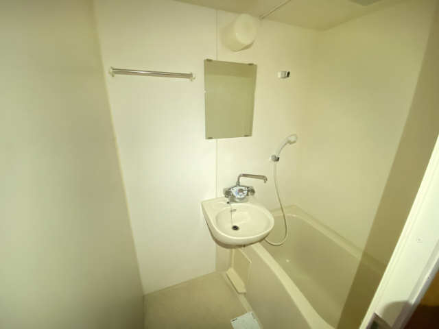 ハイライフ本山 2階 浴室