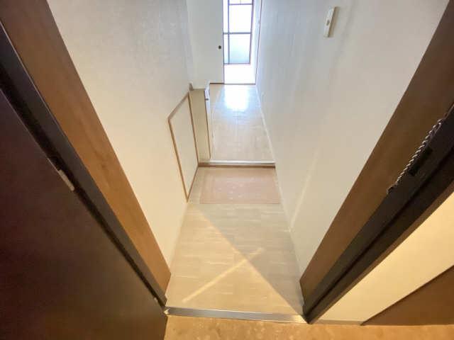 ハイライフ本山 2階 玄関