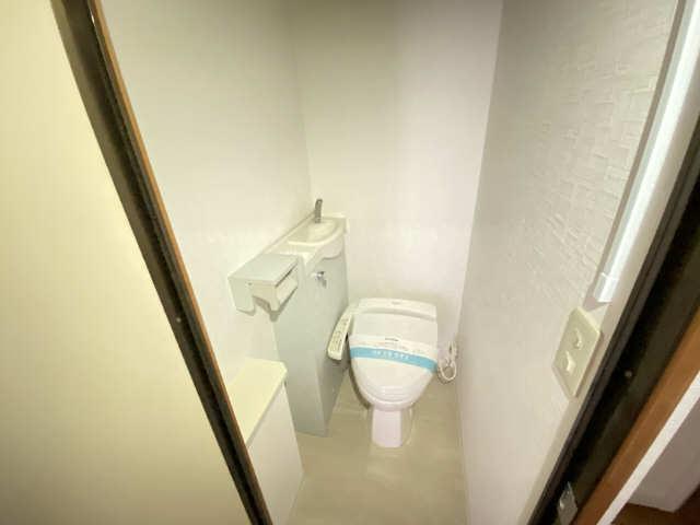 ハイライフ本山 2階 WC