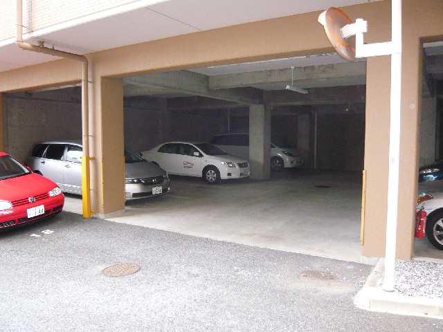 茶屋ヶ坂パークマンション 8階 駐車場