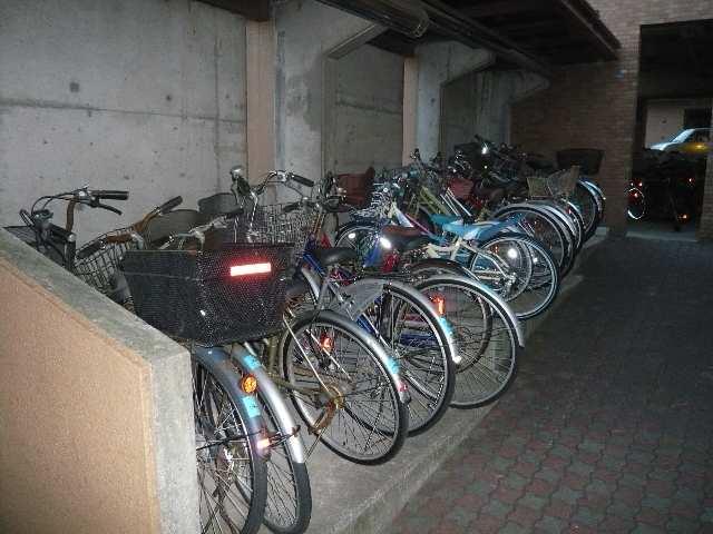 茶屋ヶ坂パークマンション 8階 駐輪場