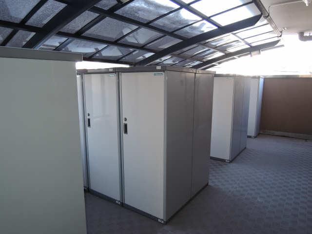 グランコート千種 1階 トランクルーム
