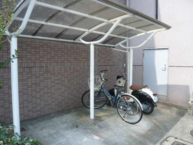 アメニティ覚王山 3階 駐輪場