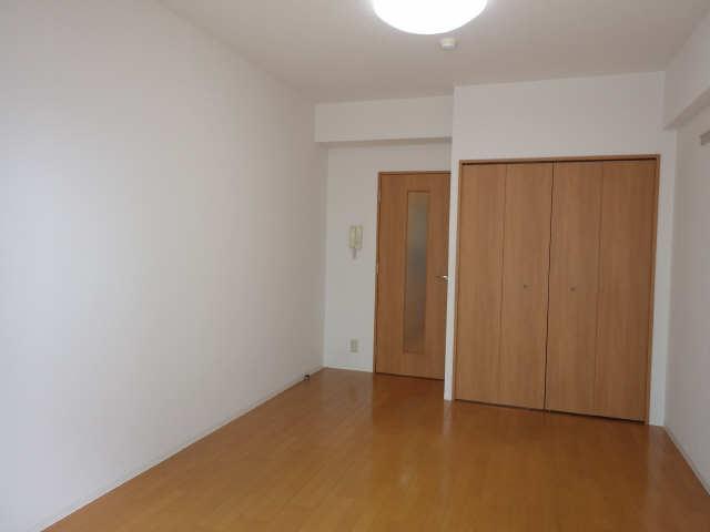 ニッコーテラス 5階 室内