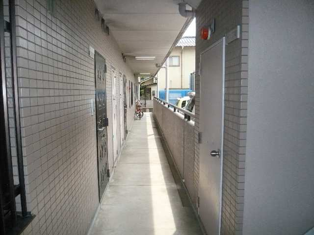 カーサ本山 4階 共用部通路