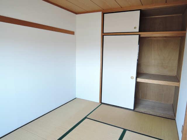 カーサ本山 4階 和室