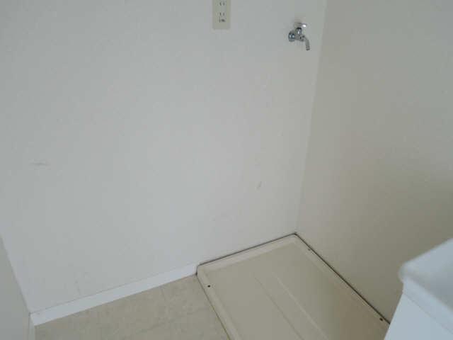 カーサ本山 4階 洗濯機置場