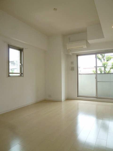 パルティール覚王山 2階 室内
