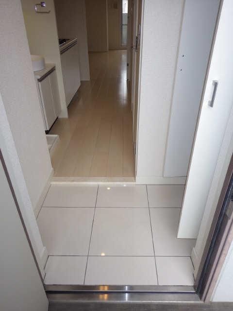 パルティール覚王山 3階 玄関