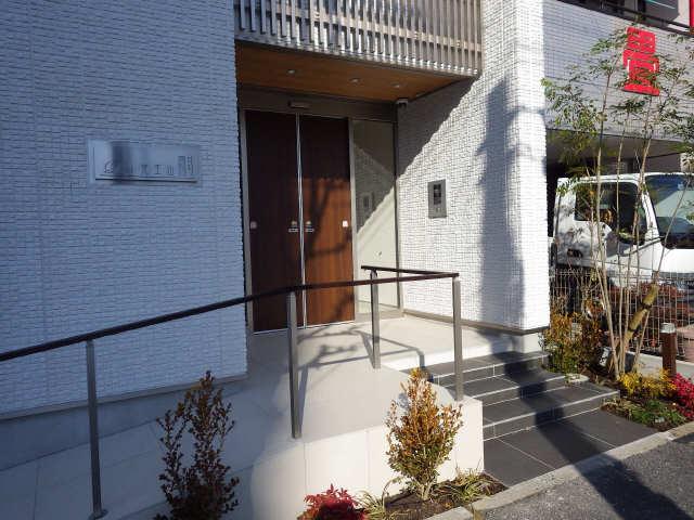 ディアス覚王山 2階 エントランス