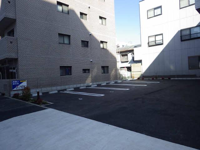ディアス覚王山 2階 駐車場