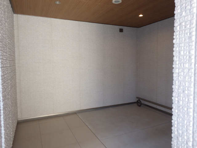 ディアス覚王山 2階 駐輪場