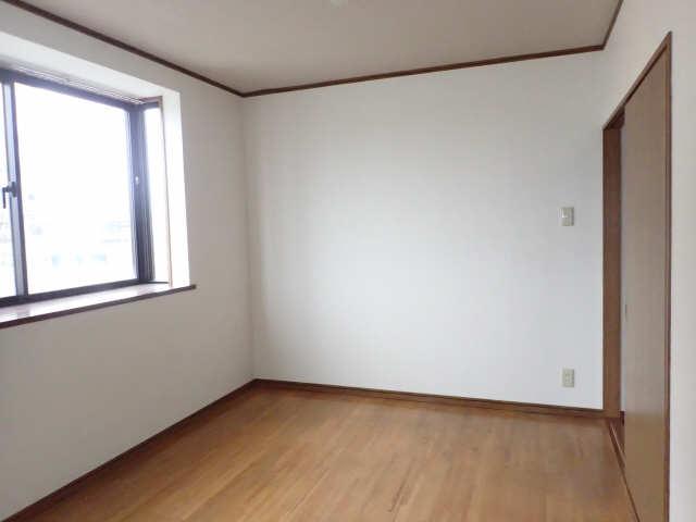 エム・グラーベ 4階 室内