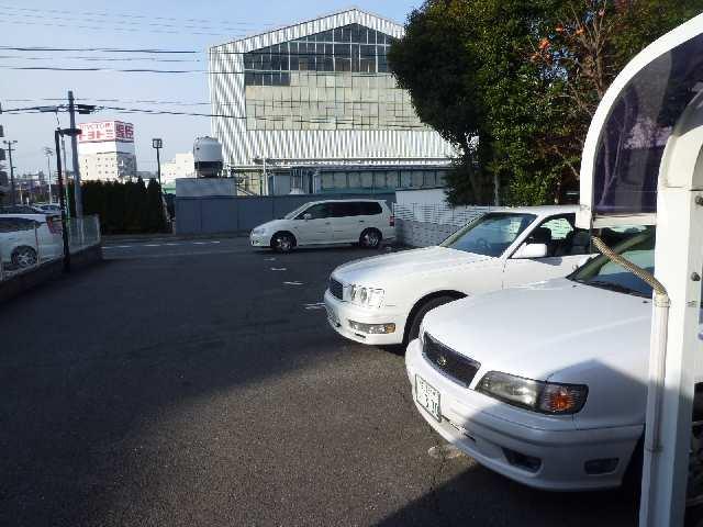 セントラルハイツ堀田 2階 駐車場
