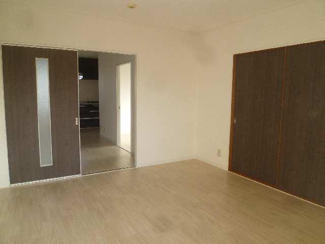 ドミール汐路 3階 室内