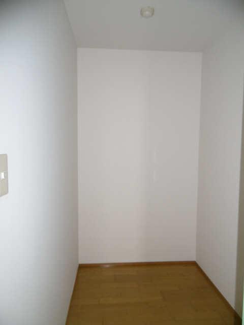 ISABELLA GARDEN1 3階 納戸