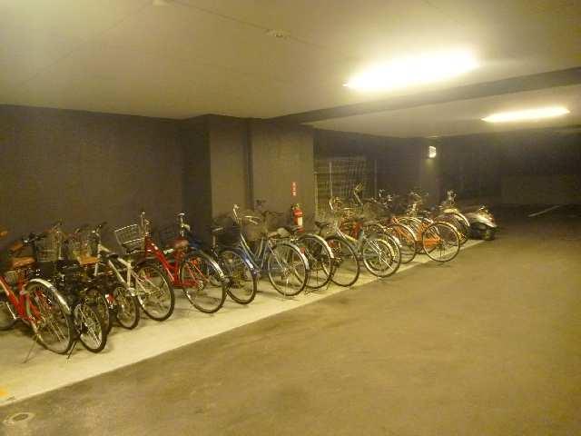 プロシード瑞穂 9階 駐輪場