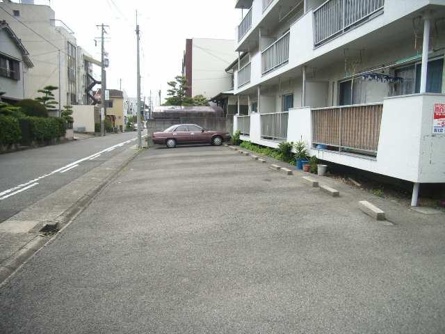 コーポ黒川 2階 駐車場