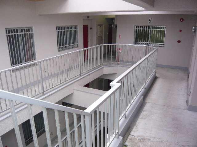 橋本ビル 5階 吹抜け廊下