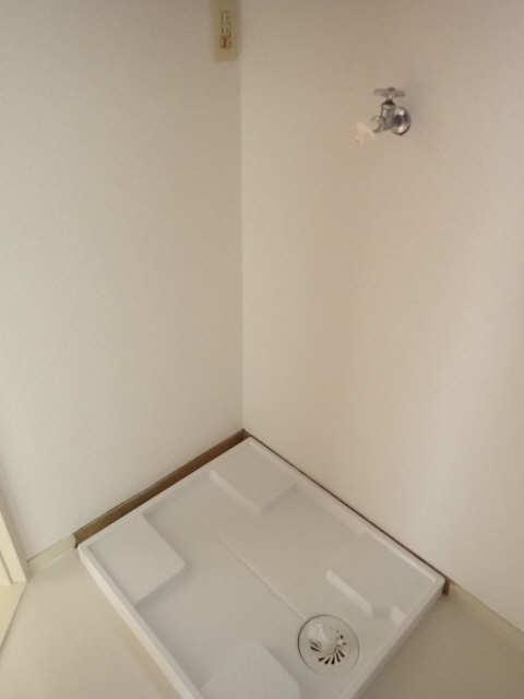 橋本ビル 5階 洗濯機置場