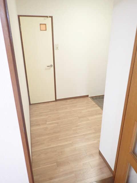 シュロス黒川 1階 玄関