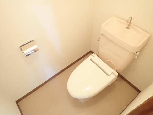 シュロス黒川 1階 WC