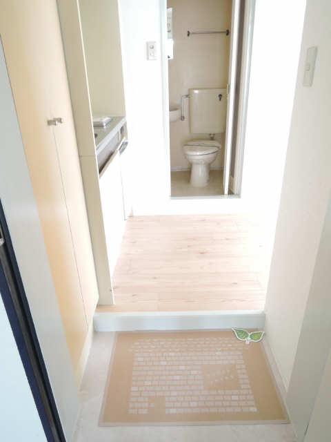 ジョイフル尼ケ坂 1階 廊下