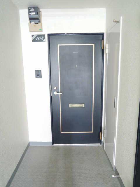 ジョイフル尼ケ坂 1階 玄関