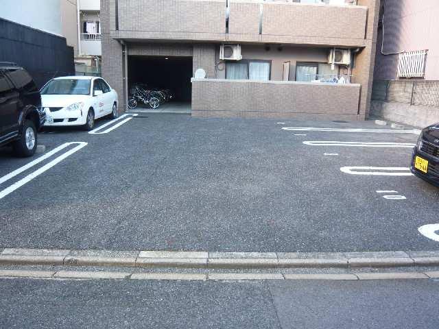 駐車場(南)