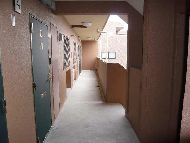 コースマスY・M 4階 廊下