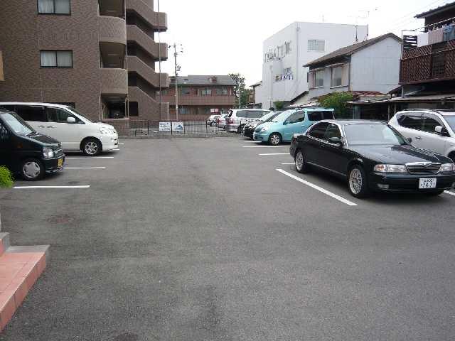 コースマスY・M 4階 駐車場
