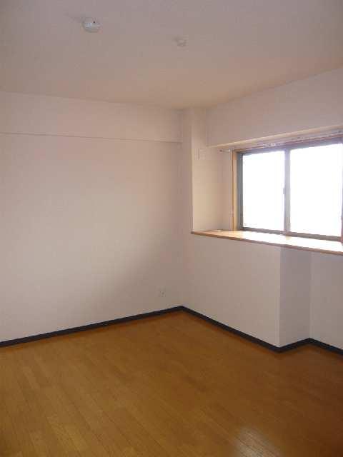 コースマスY・M 4階 洋室