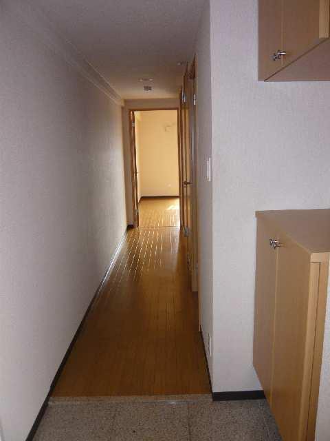 コースマスY・M 4階 玄関