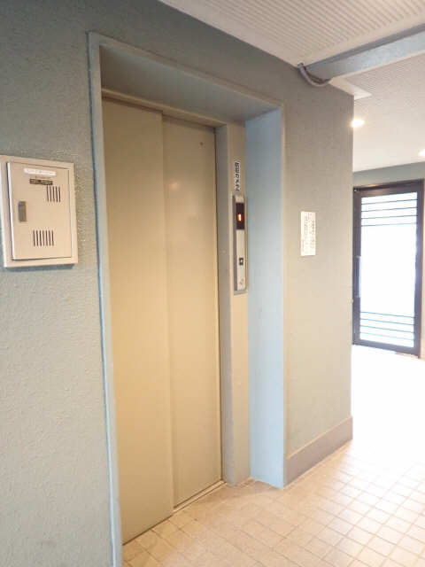 パークハイツ楠 3階 エレベーター